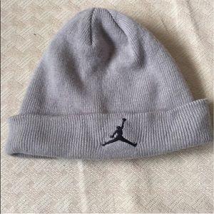 Micheal Jordan hat must bundle with one more item